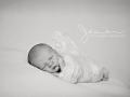 DSC_1021bw-newborn-photographer-stevenage-hertfordshire-jenna-marshall-photography.png
