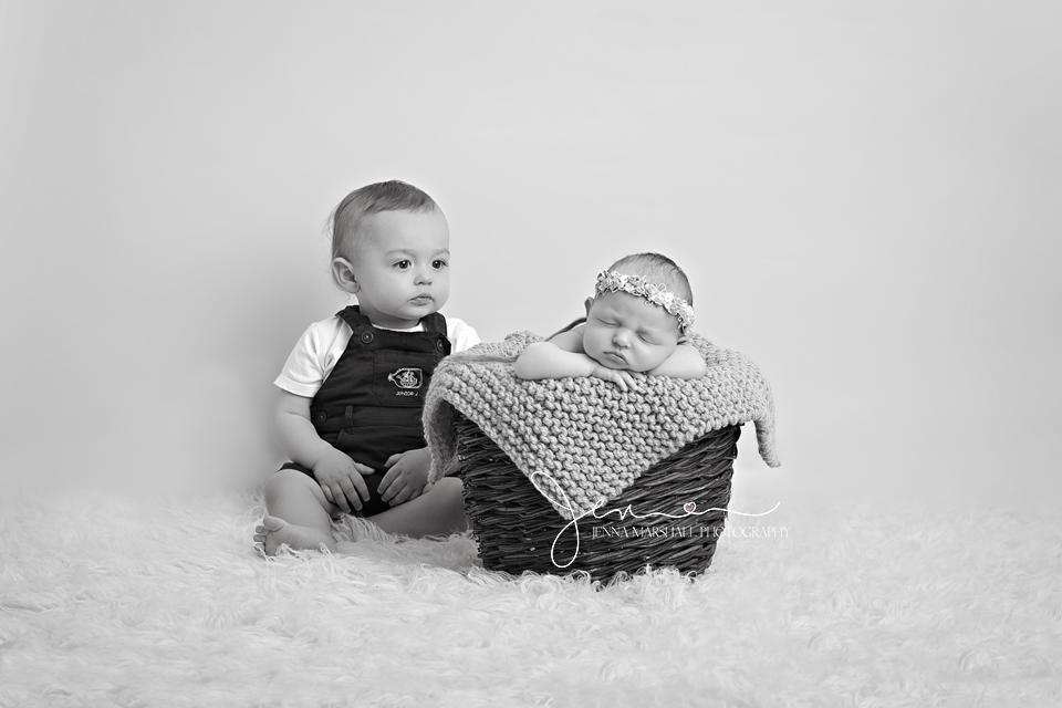 DSC_0666bw-newborn-baby-photographer-stevenage-hertfordshire-_jenna-marshall-photography