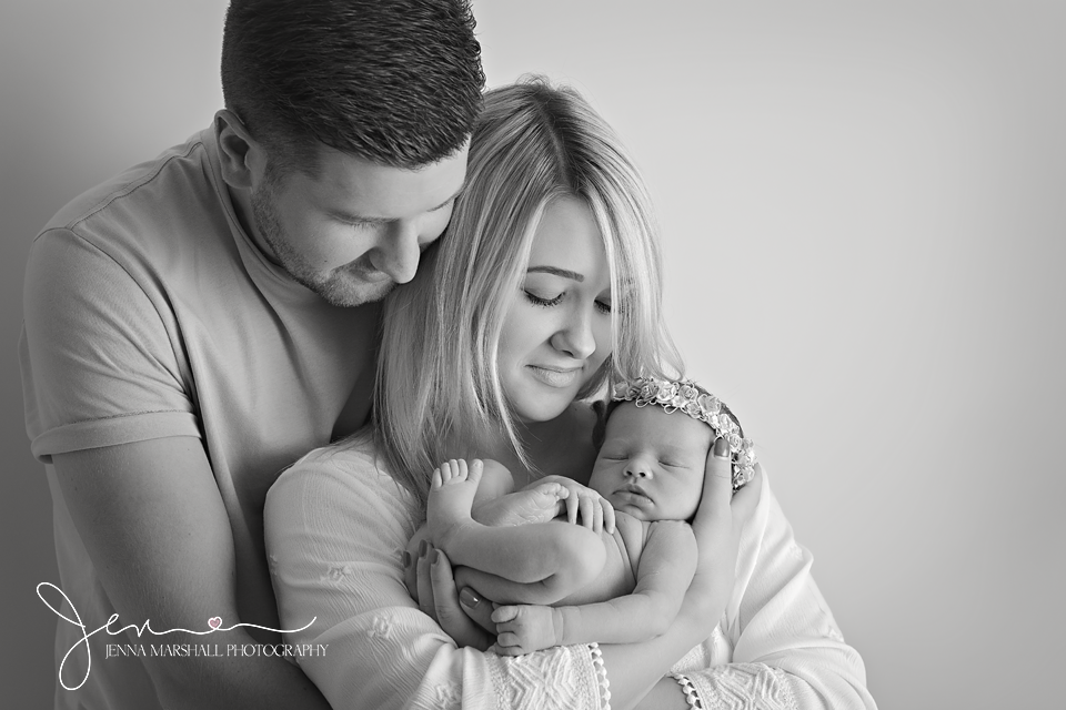 DSC_1134bw-newborn-baby-photographer-hertfordshire-jenna-marshall-photography