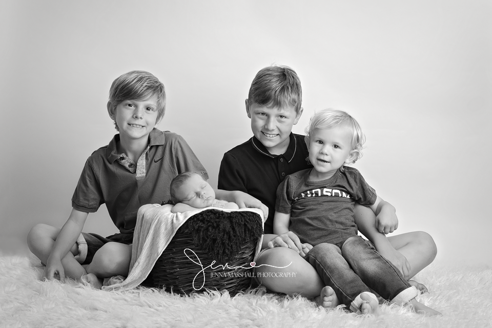 DSC_0747bw-newborn-photographer-stevenage-hertfordshire-jenna-marshall-photography-