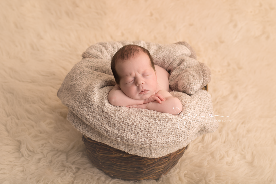 DSC_0208-newborn-photographer-stevenage-hertfordshire-jenna-marshall-photography