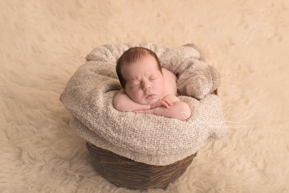 DSC_0208-newborn-photographer-stevenage-hertfordshire-jenna-marshall-photography