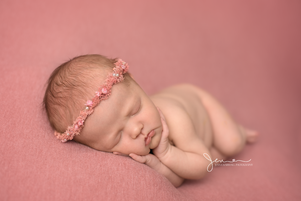 DSC_1379-newborn-photographer-stevenage-hertfordshire-jenna-marshall-photography