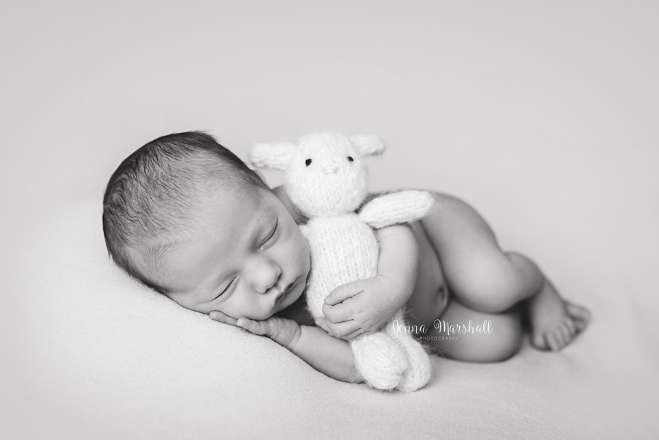 DSC_0390bw-baby-photographer-hertfordshire-jenna-marshall-photography